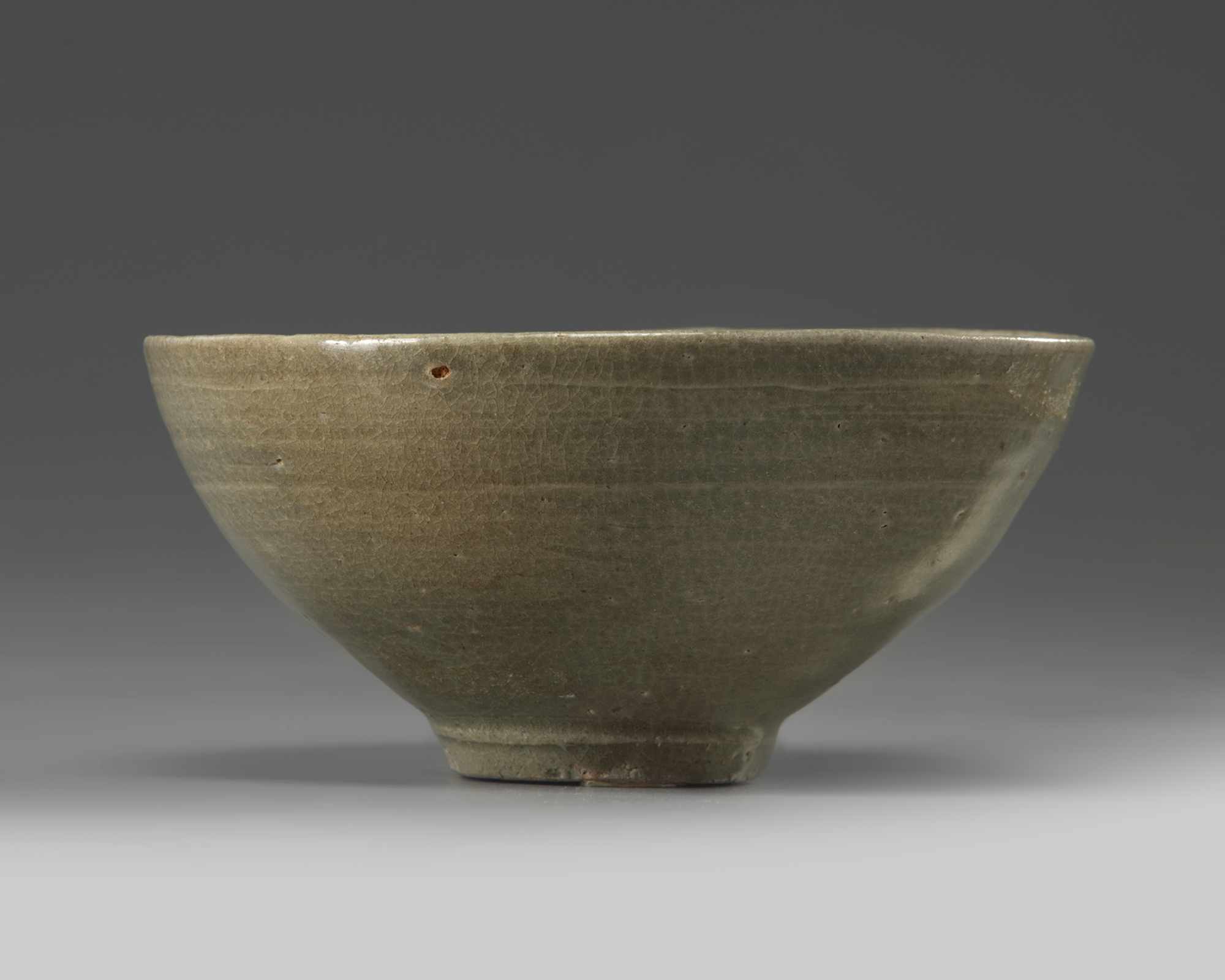 Lot 53 - A Korean celadon glazed bowl