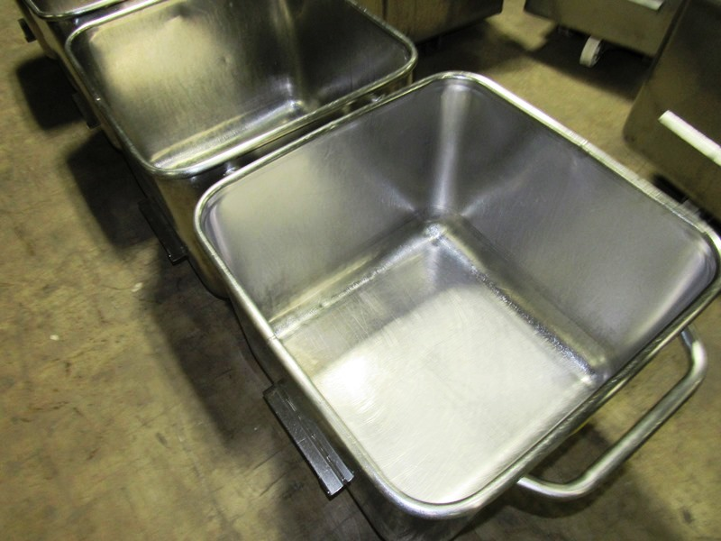 Stainless Steel Dump Buggies, 400 LB capacity, rolled lip, handle - Image 2 of 2