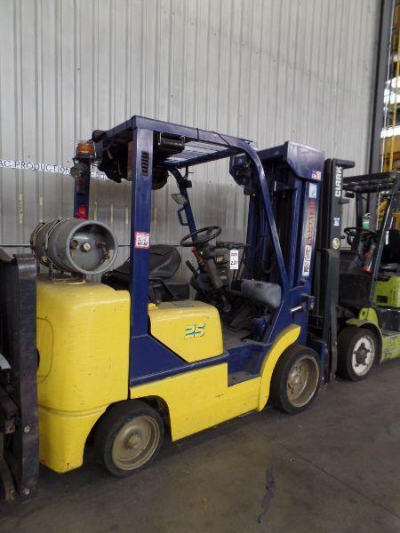 Komatsu FG25ST-12 5000lbs Cap. LPG Forklift, s/n 562575A - Image 2 of 4