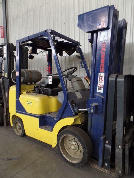 Komatsu FG25ST-12 5000lbs Cap. LPG Forklift, s/n 562575A - Image 3 of 4