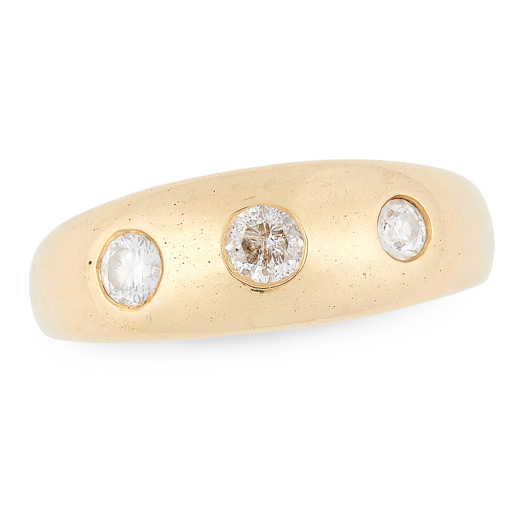 A THREE STONE DIAMOND GYPSY RING in 18ct yellow gold, the graduated band set with a trio of round