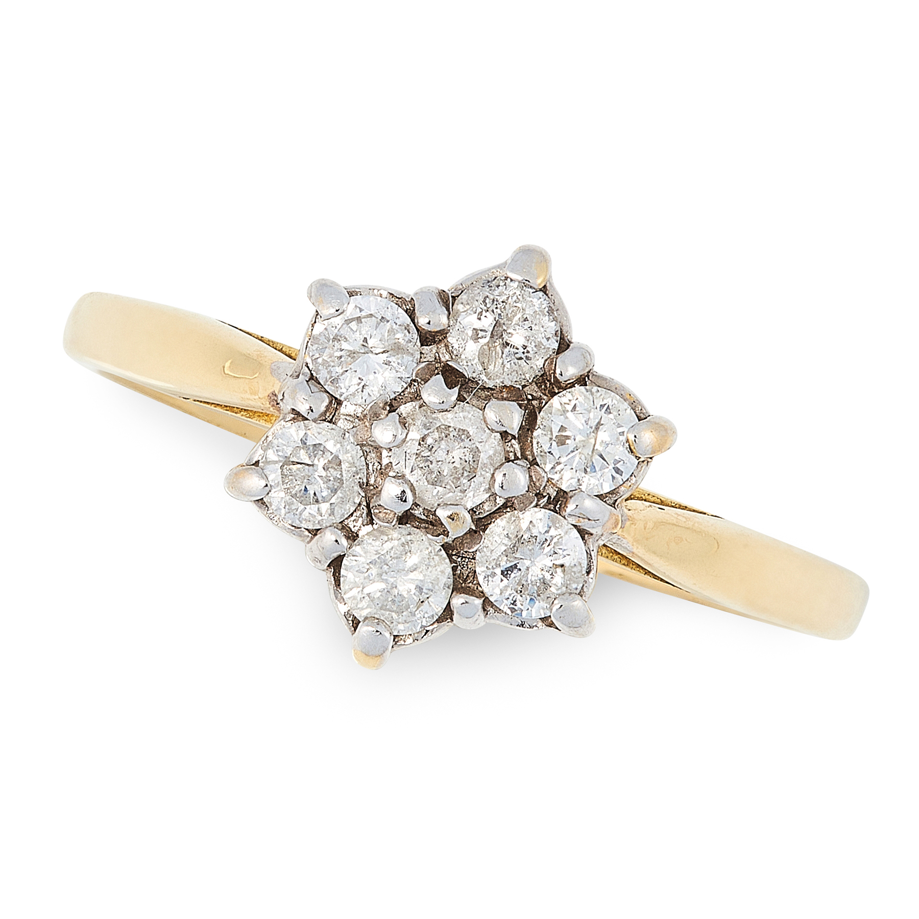 A DIAMOND CLUSTER RING in 18ct yellow gold and platinum, set with a cluster of seven round cut