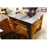 STEEL TABLE C/W ROCK BENCH VISE