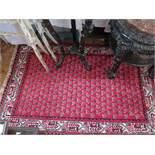 A Persian Stlye Carpet, 153 x 101cm