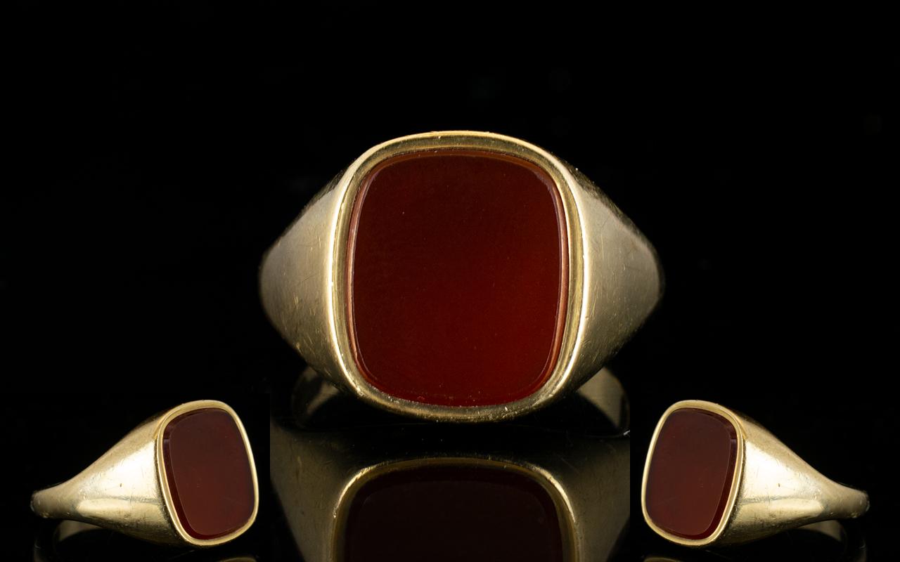 Lot 43 - Gentleman's Heavy 9ct Gold Bloodstone Se