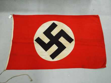 Lot 41 - A WWII (World War Two ) Third Reich Nazi party flag (parteiflagge) ca 1935-45 (off centre circle