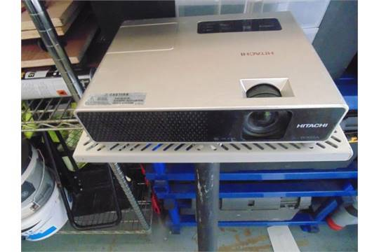 Lot 61 - Hitachi CPX3 Digital Multimedia Projector 2000 Lumens, 500:1 Contrast, 1.8 kg, 2 cm 3 LCD