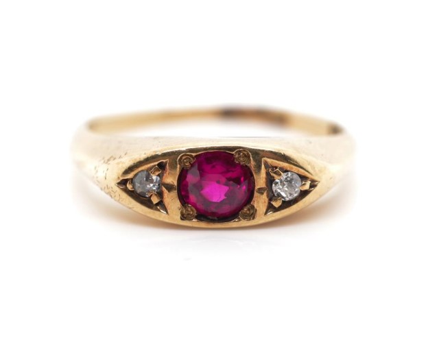 Antique diamond and 10ct rose gold ring