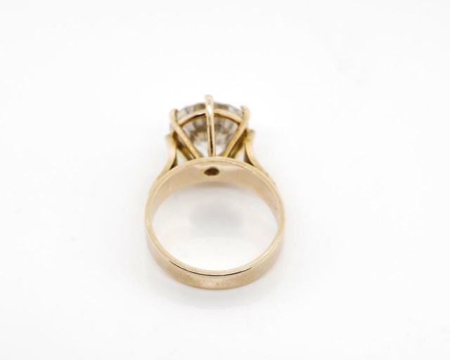 9ct rose gold and cubic zirconia cocktail ring - Image 3 of 6