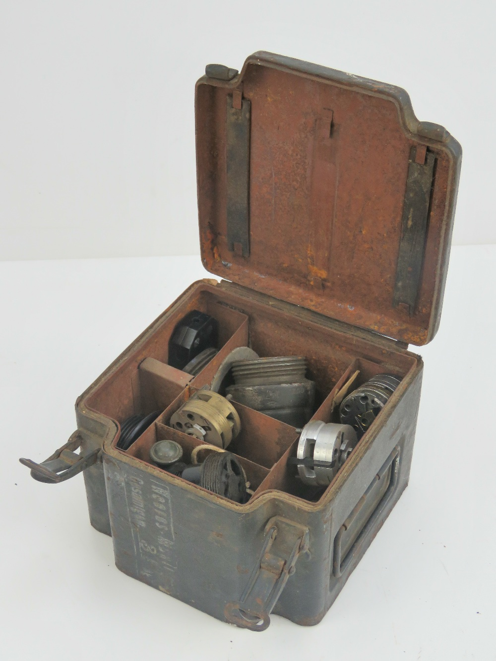 Lot 2 - A quantity of WWII German Wehrmacht issu