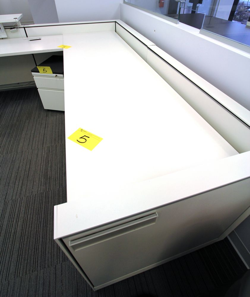 """L-SHAPED 20"""" X 95"""" - 102"""" RECEPTION DESK C/W (2) FOLING & STORAGE CABINETS, ALL POWERED - Image 2 of 4"""