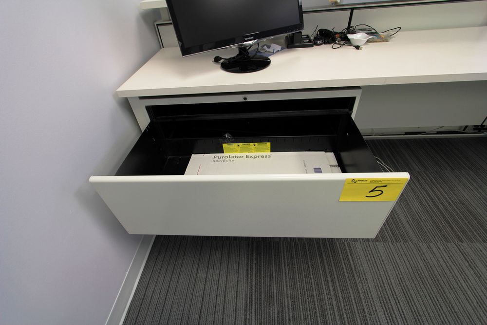 """L-SHAPED 20"""" X 95"""" - 102"""" RECEPTION DESK C/W (2) FOLING & STORAGE CABINETS, ALL POWERED - Image 3 of 4"""