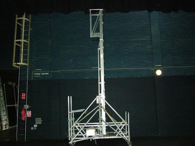Indoor Scaffolding Max Height : Tallescope telescopic access aluminium manually operated