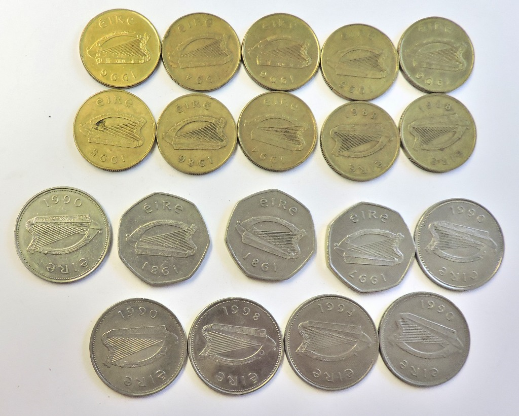Lot 59 - Ireland 1988 - 1996 range of pre-euro coinage including: £1 (6), 50p (3), 20p (10) VF to GEF