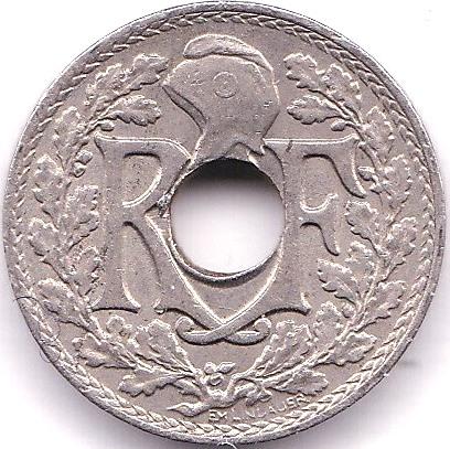 Lot 27 - France 1922 (b) 5 Centimes, KM 875, scarce