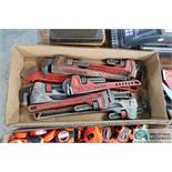 (LOT) ASSORTED SIZE PIPE WRENCHES