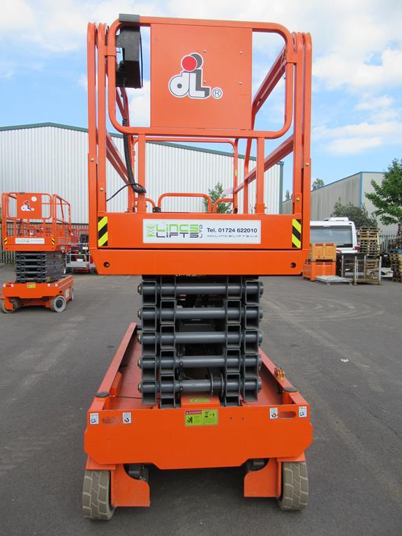 Dingli JCPT 1412 DC 24V electric scissor lift - Image 5 of 7