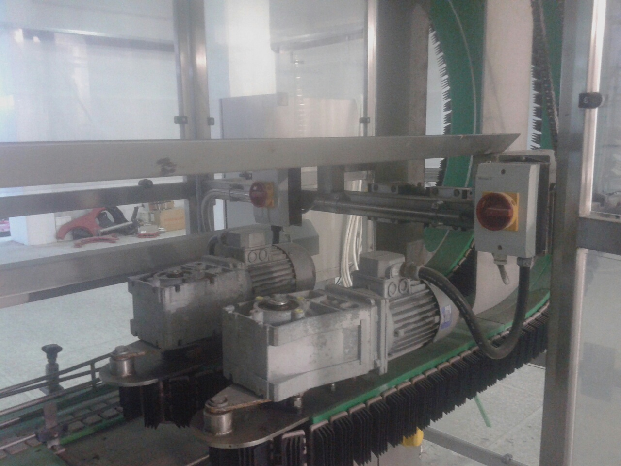 Lot 13 - New Smith Bottle Invertor, Fully-Enclosed System