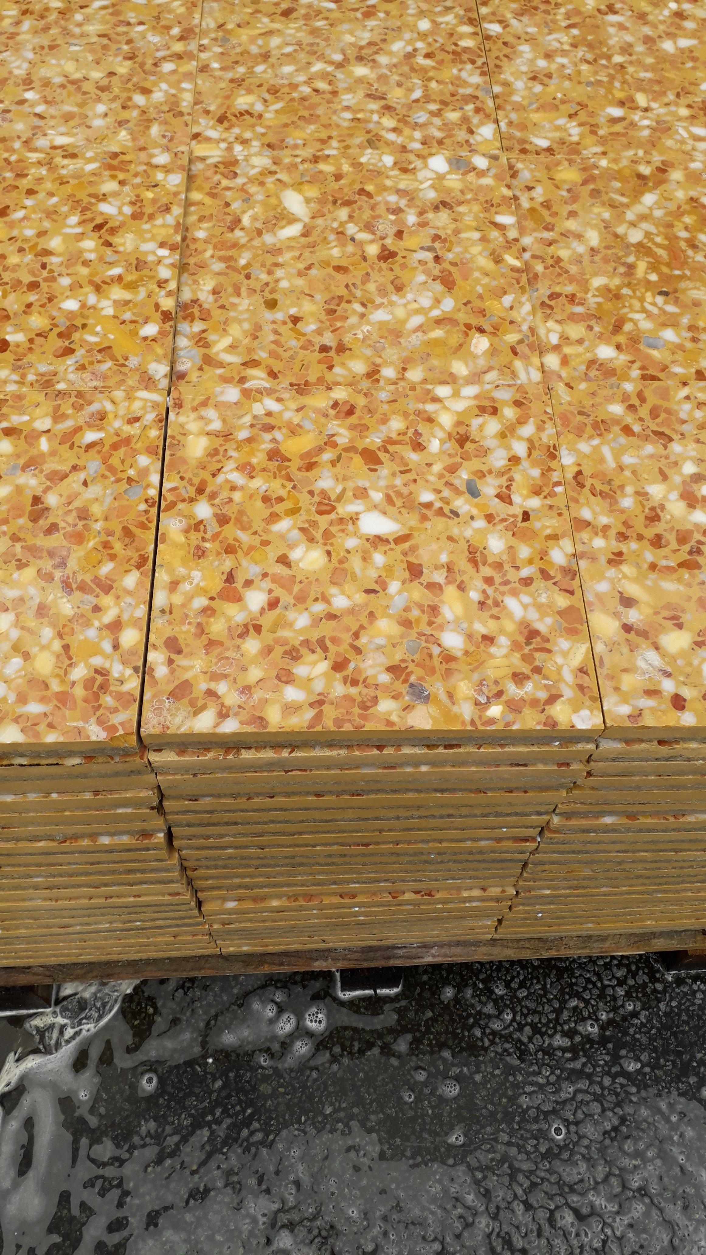 Lot 6 - 1 x pallet (L 07802) Commercial Floor Tiles - Total coverage 20 square yards