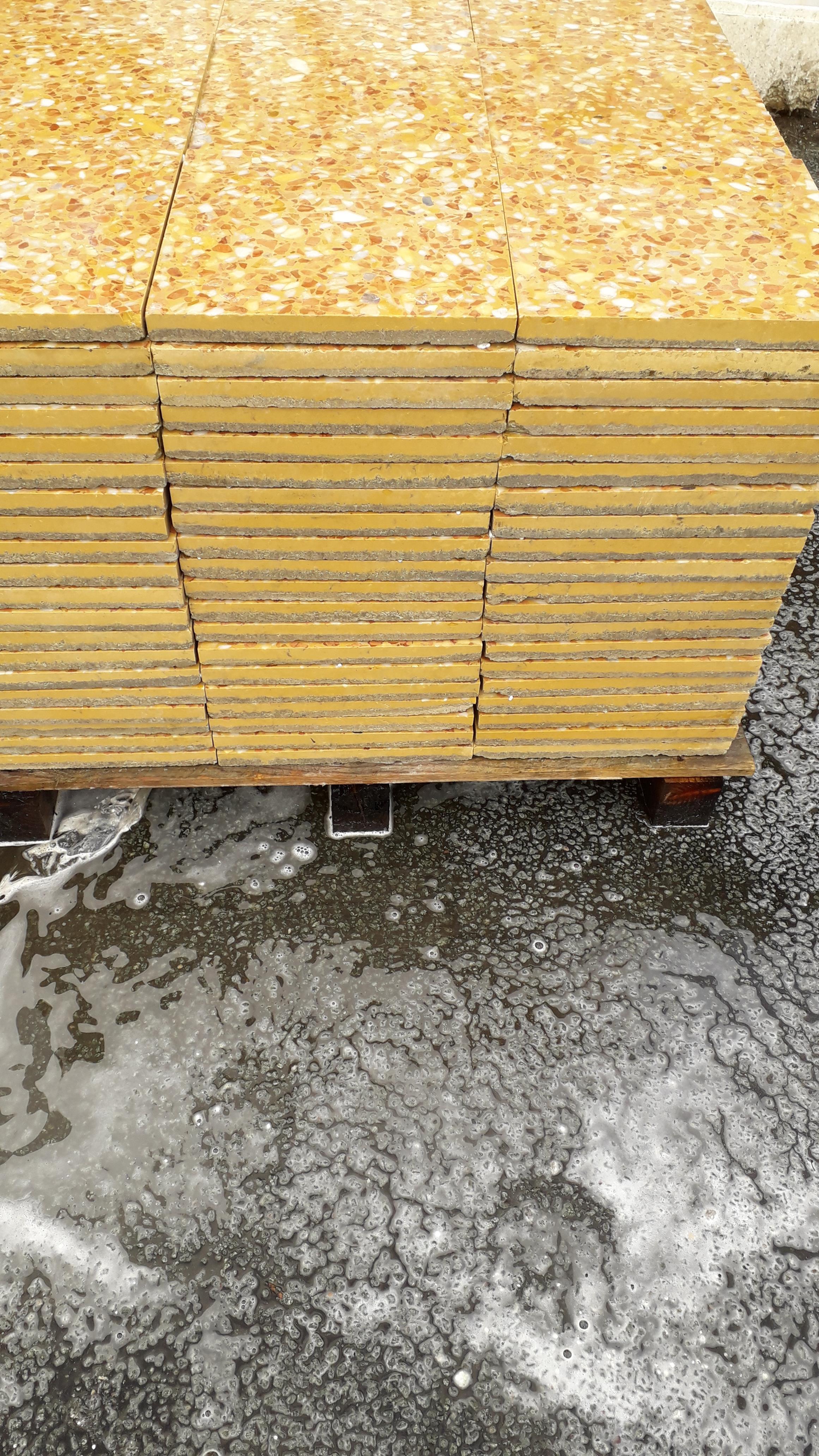 Lot 12 - 1 x pallet (L 07802) Commercial Floor Tiles - Total coverage 20 square yards