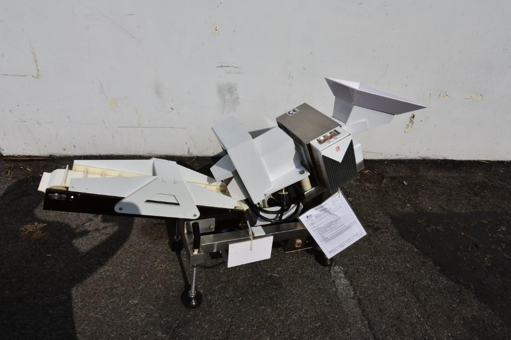 Lot 11 - Metal Detector Compunic Model MD-1206