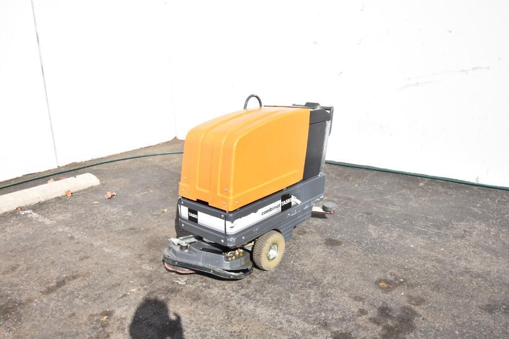 Lot 23 - Floor Sweeper
