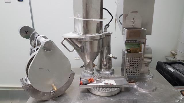 Lot 71 - Semi-Automatic Encapsulation Machine