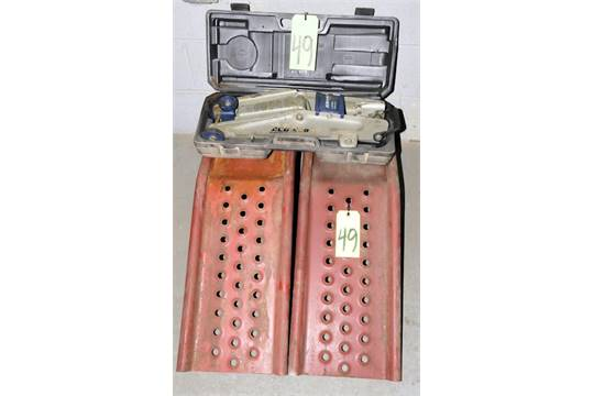Lot 1 Ac Delco 2 1 4 Ton Capacity Hydraulic Floor Jack And 2