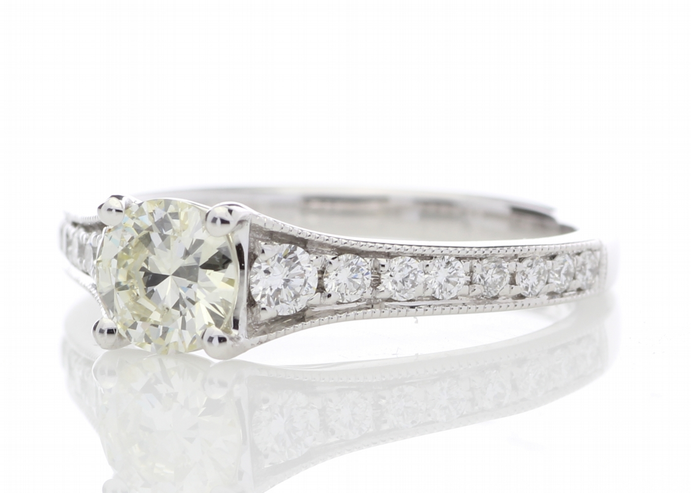 18ct White Gold Diamond Ring With Stone Set Shoulders 0.80 Carats - Image 2 of 5