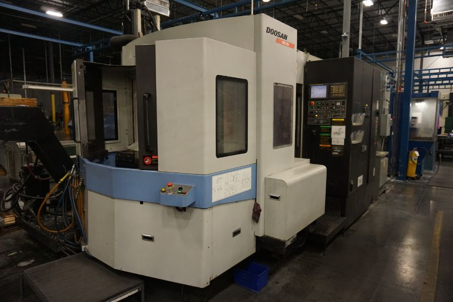 "Lot 81 - Doosan HM-500, Fanuc 18iMB, (2) 19.7"" Pallets, B-Axis, 6k RPM, CT50, 60 ATC, CTS, Probe, s/n New"