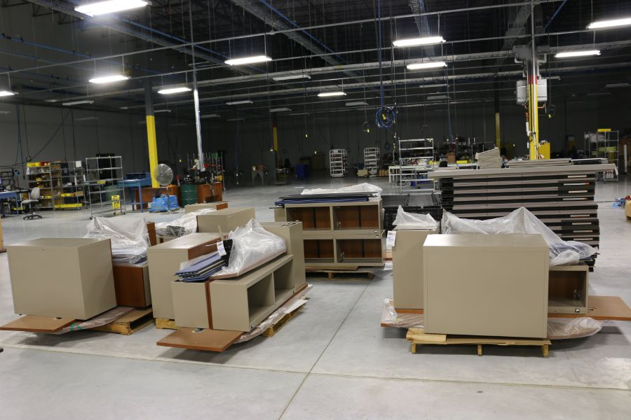 Lot 873 - (5) Office Desks and Cubicle