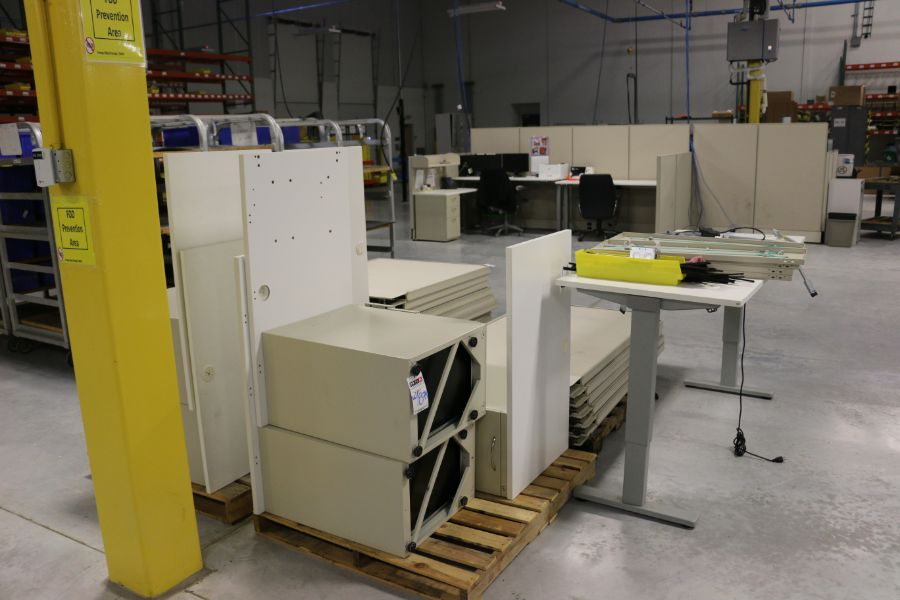 Lot 874 - (2) Office Desks and Cubicle