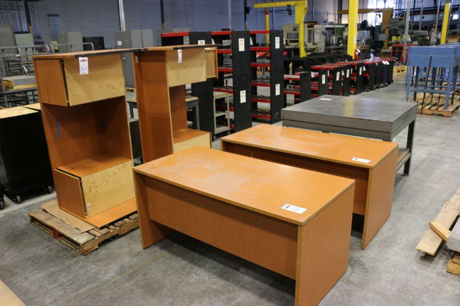 Lot 869 - Office Desks