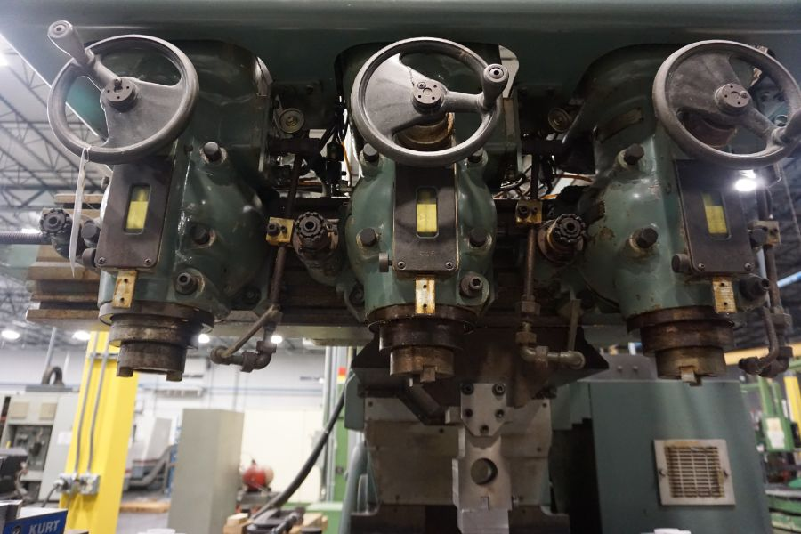 """Makino Three D, 3 Spindle VMC, Fanuc GN6 Series Control, 20"""" x 72"""" Table - Image 7 of 11"""