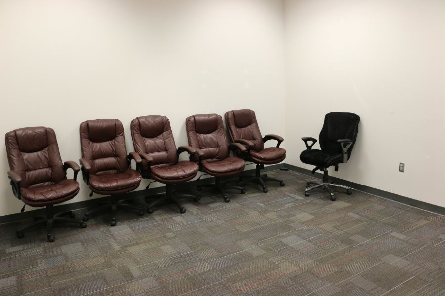 Lot 880 - Room Content, (6) Office Chairs and Table