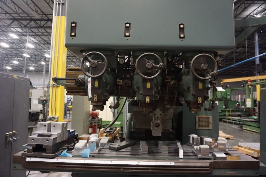 """Makino Three D, 3 Spindle VMC, Fanuc GN6 Series Control, 20"""" x 72"""" Table - Image 8 of 11"""