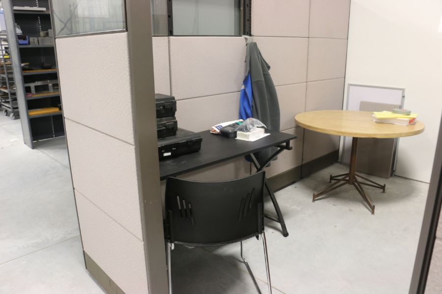 Lot 1031 - Cubicle with Office Desk and Tables *No Content*