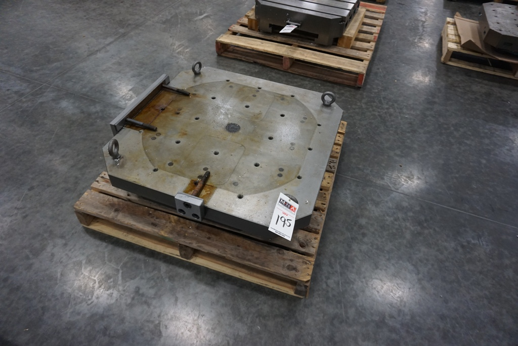 """32"""" Pallets - Image 2 of 4"""