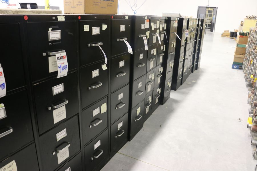 Lot 1047 - 4 Drawer Filing Cabinets