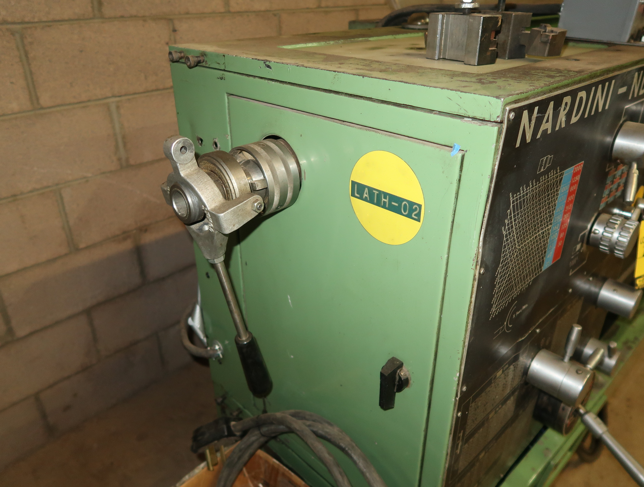 NARDINI-ND 1560E GAP BED ENGINE LATHE W/3-JAW CHUCK, QUICK CHANGE TOOLPOST W/3-HOLDERS, 5C COLLET - Image 5 of 6
