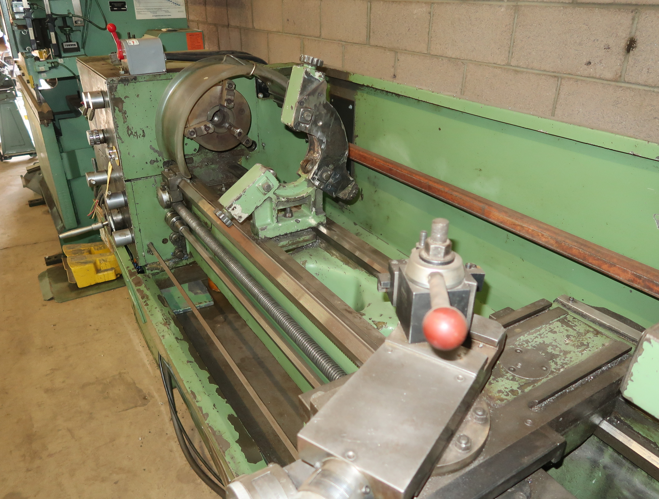 NARDINI-ND 1560E GAP BED ENGINE LATHE W/3-JAW CHUCK, QUICK CHANGE TOOLPOST W/3-HOLDERS, 5C COLLET - Image 2 of 6