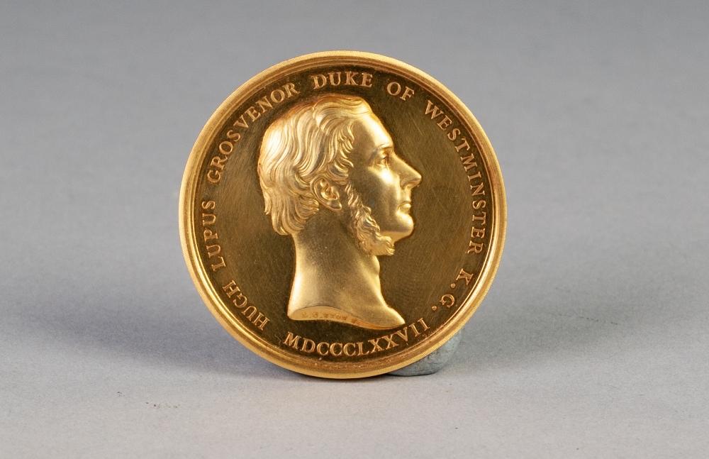 Lot 49 - L.C. WYON GOLD PLATED PORTRAIT MEDALLION depicting Hugh Lupus Grosvenor - Duke of Westminister, K.G.