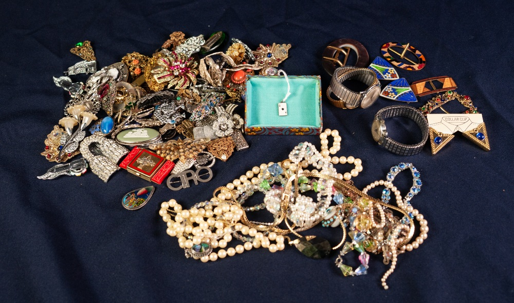 Lot 131 - SELECTION OF COSTUME JEWELLERY and THREE LADY'S and GENTLEMAN'S WRISTWATCHES