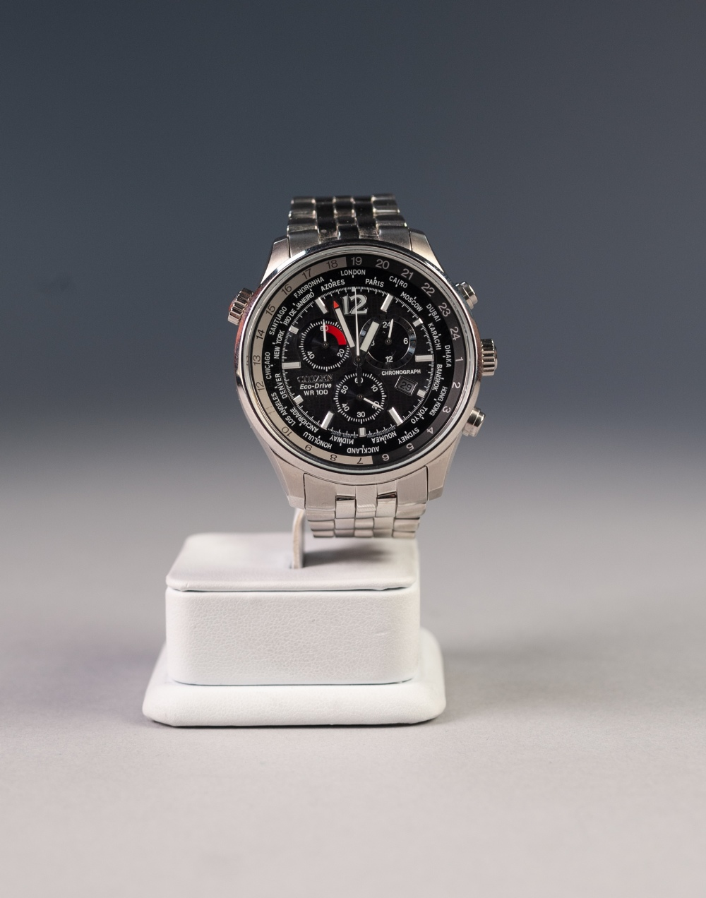 Lot 26 - CITIZEN ECO-DRIVE CHRONOGRAPH, with quartz movement, black dial with three subsidiary dials and date