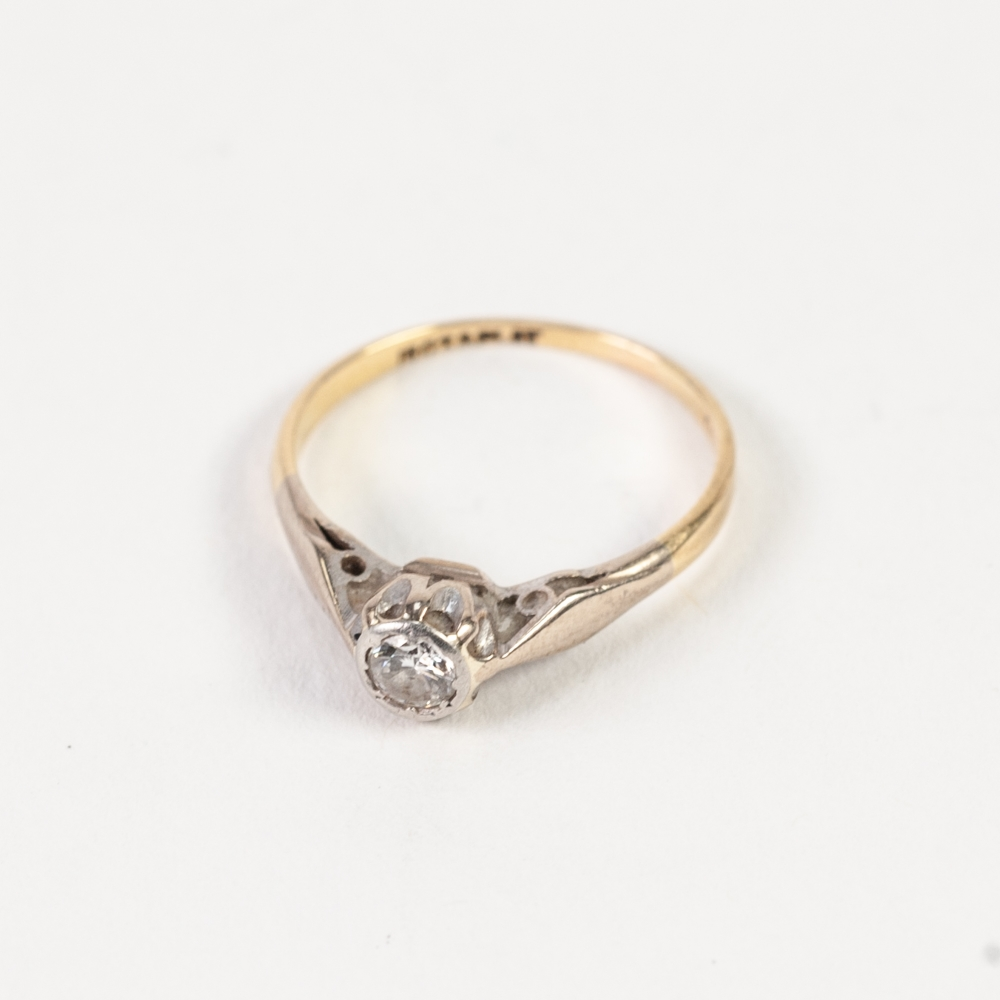 18ct GOLD AND PLATINUM RING, with a solitaire diamond in a rubbed setting, approx .20ct, 2gms, - Image 2 of 2