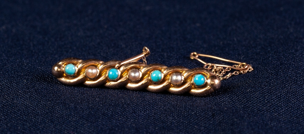 Lot 143 - 15ct GOLD LINKED BROOCH SET WITH TURQUOISE AND SEED PEARLS with safety chain, 3 gms gross