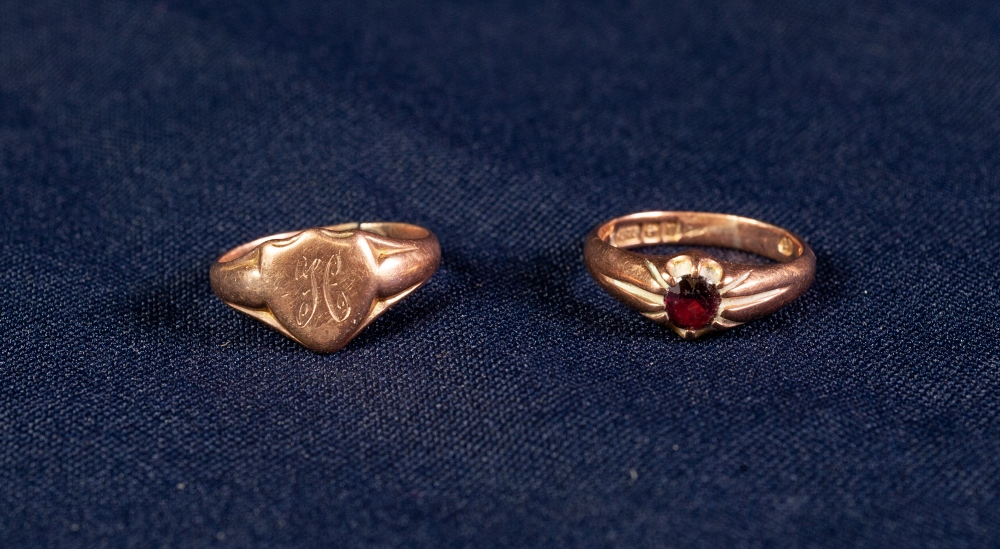 Lot 120 - 9ct ROSE GOLD GARNET SET RING and a 9ct ROSE GOLD SIGNET RING, 6.2 gms gross all in (2)