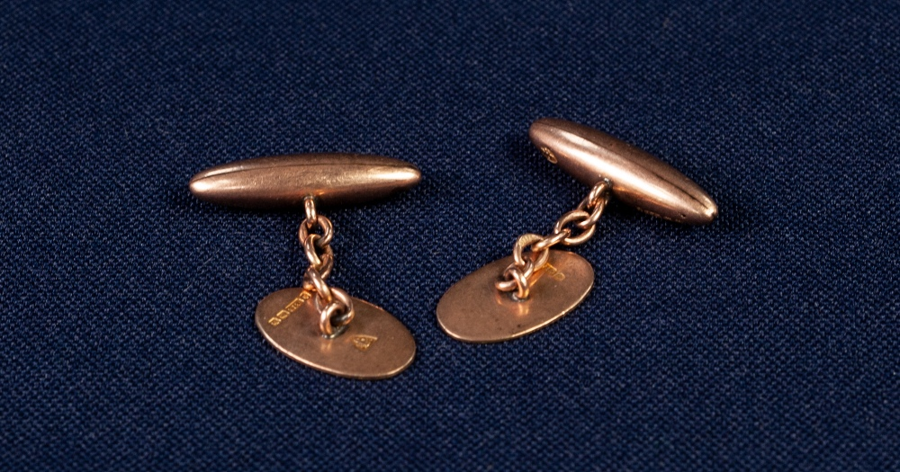 PAIR OF 9ct GOLD DOUBLE CUFFLINKS, plain oval and torpedo shaped, 6.7gms