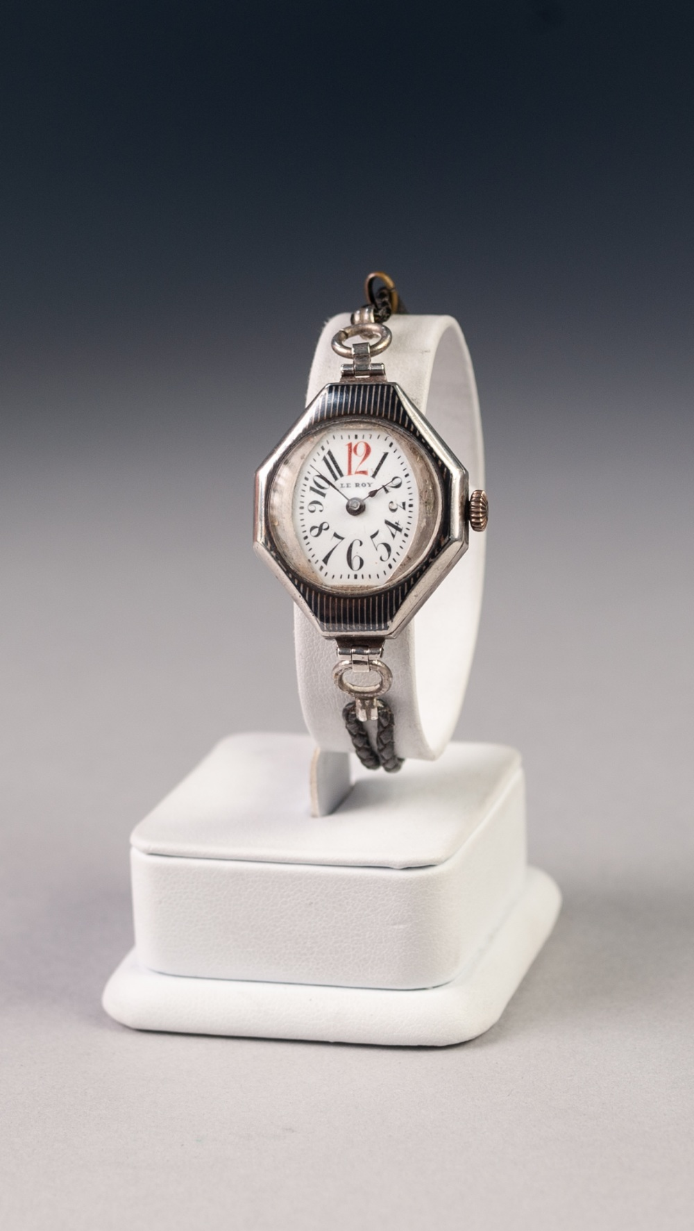 Lot 23 - LADY'S LE ROY, PARIS, WRIST WATCH, with mechanical Swiss movement, No. 990, oval Arabic dial in