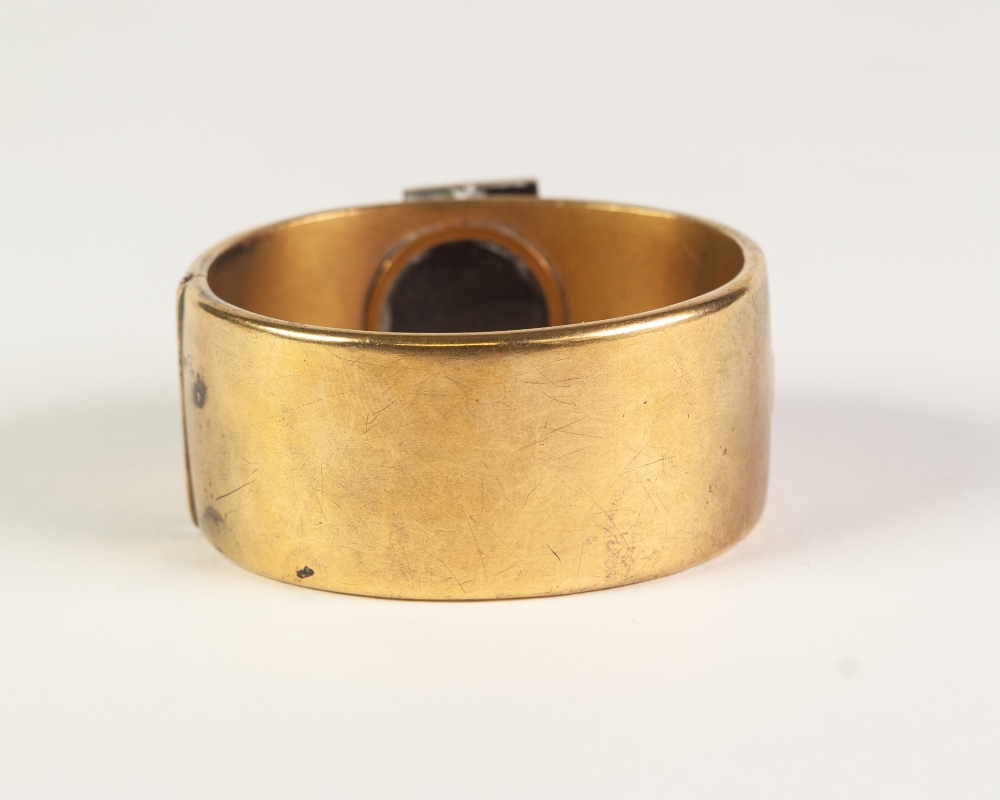 VICTORIAN GOLD COLOURED METAL HINGE OPENING BUCKLE BANGLE, 'buckle' top set with twenty three rose - Image 4 of 5